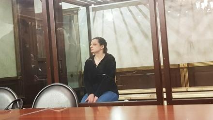 Обвиняемой в убийстве собственных детей Елене Каримовой присудили 19 лет лишения свободы