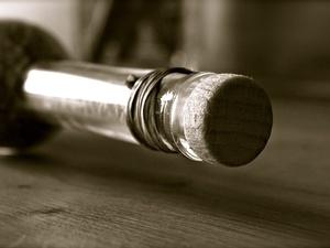 Первомайская самогонщица оштрафована в 300-кратном размере от стоимости проданного алкоголя