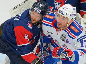 В упорной борьбе нижегородский ХК «Торпедо» уступил питерскому «СКА» на своем льду