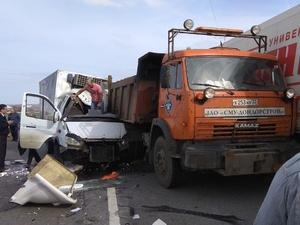 «Газель» влетела в КамАЗ на Южном обходе: двое ранены