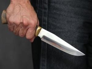 Нижегородец напал с ножом на родителей и десятилетнюю дочь