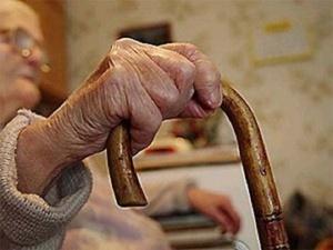 88-летняя пенсионерка попала под колеса иномарки на парковке в Автозаводском районе