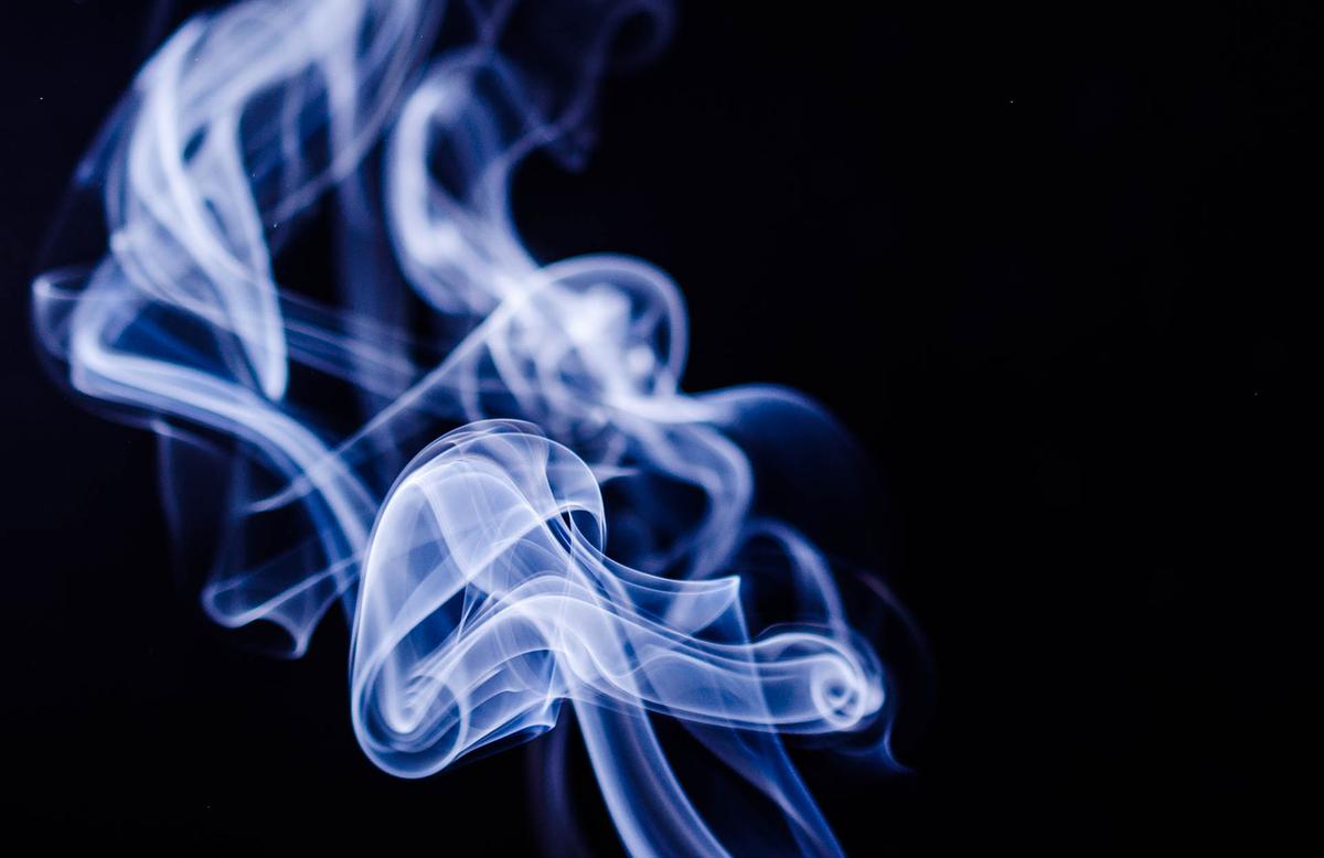 Более 100 тысяч поддельных пачек сигарет нашли полицейские на складе в Арзамасе - фото 1