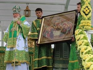 Патриарх Кирилл подарил старинную икону Нижегородской митрополии