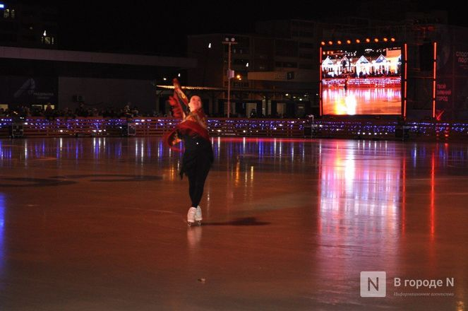 Ирина Слуцкая с ледовым шоу открыла площадку «Спорт Порт» в Нижнем: показываем, как это было - фото 26