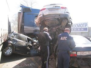 Пять автомобилей столкнулись в Автозаводском районе