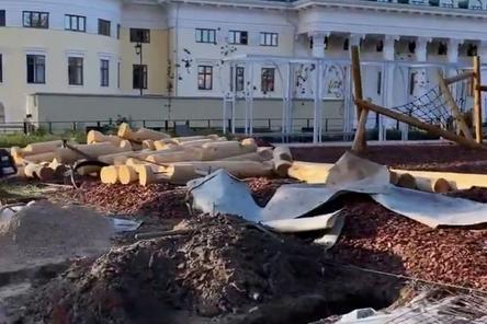 Блогер Варламов показал благоустройство внутри Нижегородского кремля