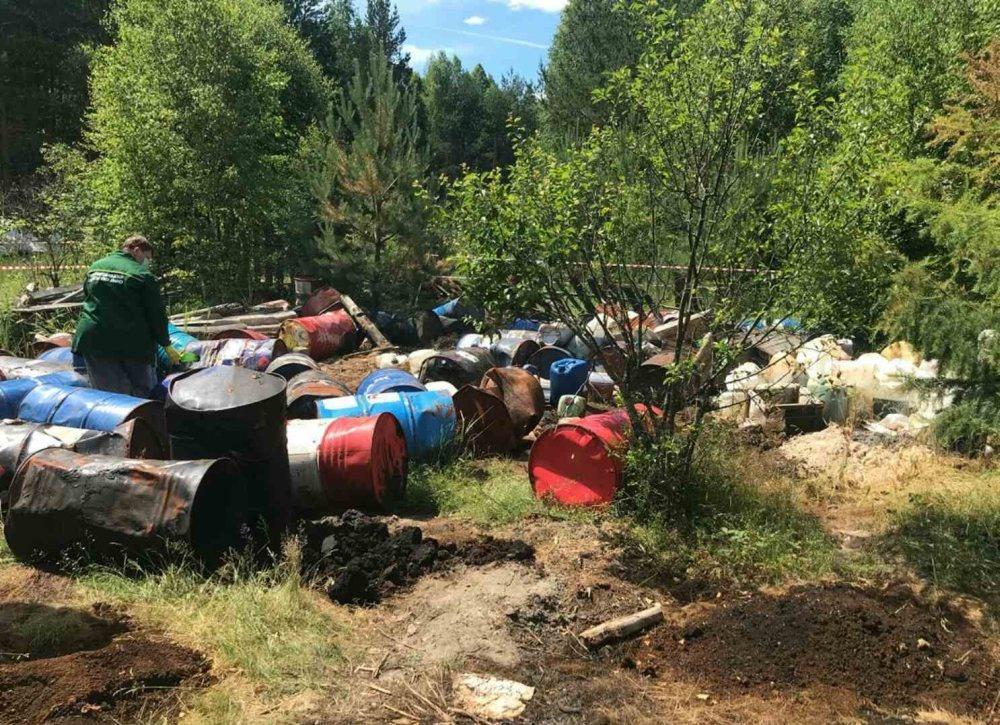 Незаконную свалку промотходов обнаружили в Володарском районе - фото 1