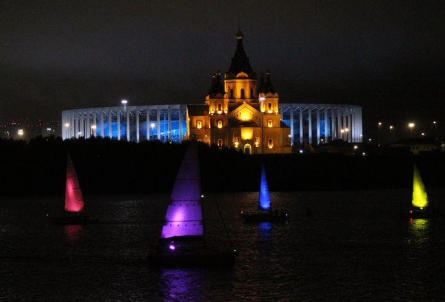 «Театр парусов» и 40-минутный фейерверк: яркое завершение Дня города в Нижнем Новгороде - фото 7