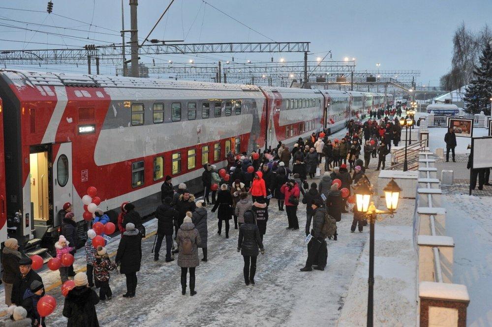 Прибытия двухэтажных поездов на Московский вокзал в текущем году не ожидается - фото 1