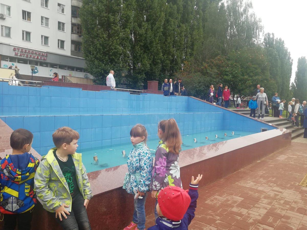 Фонтан на улице Рокоссовского открыли после ремонта - фото 2