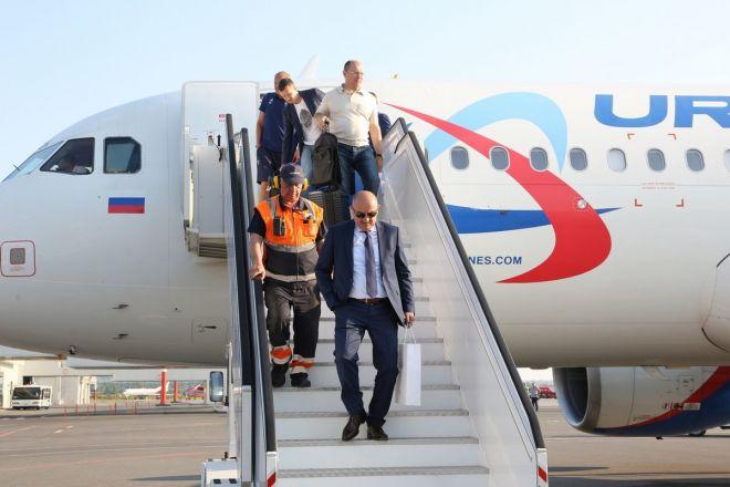 Сборная России по футболу прибыла на матч в Нижний Новгород - фото 6