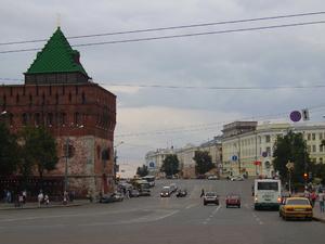 Автомобильное движение на площади Минина закрыли почти на четыре дня