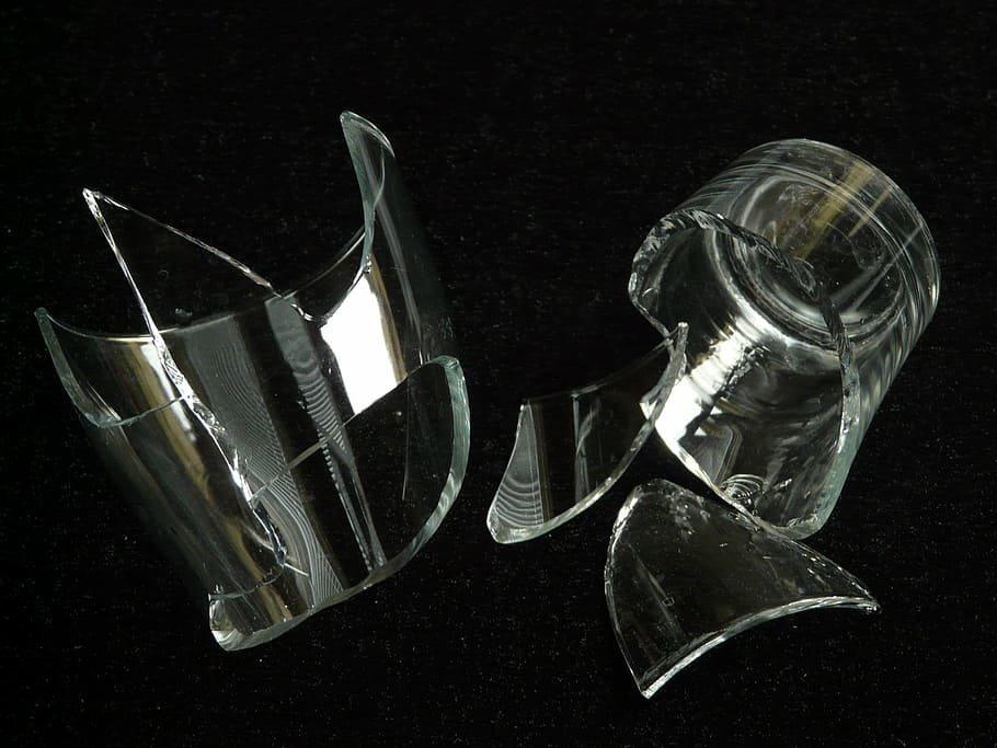 Должны ли вы платить за посуду, которую случайно разбили в кафе - фото 1