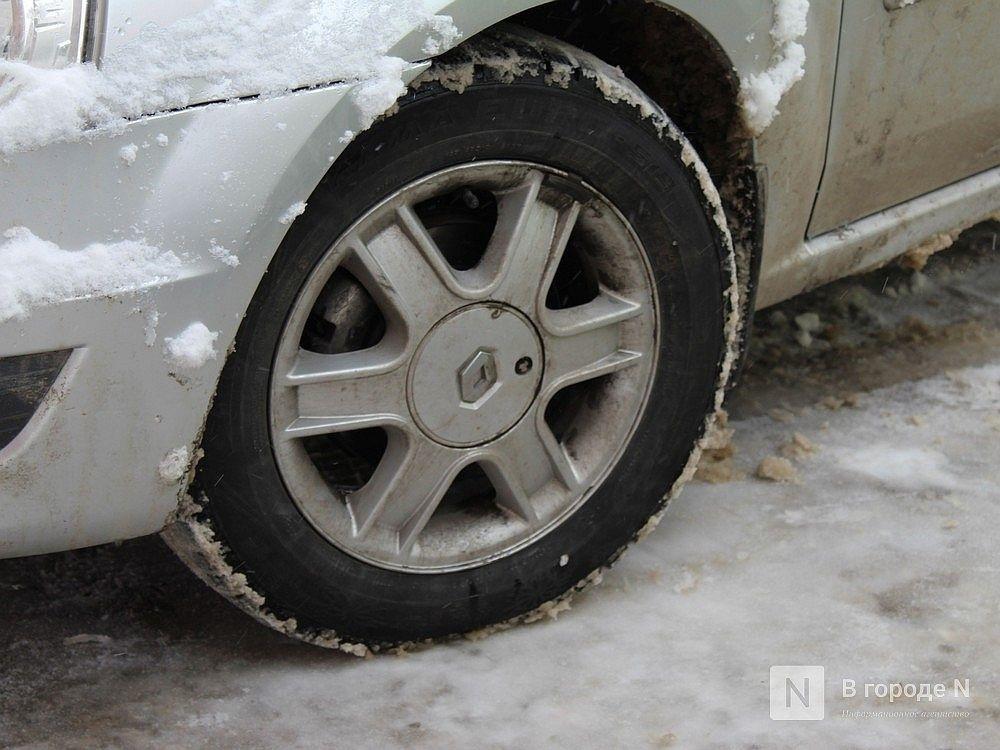 Пьяного водителя Renault, скрывшегося с места ДТП в Павлове, «задержал» столб - фото 1
