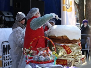 В Нижнем Новгороде на Пасху испекли 200-килограммовый кулич (ФОТО)